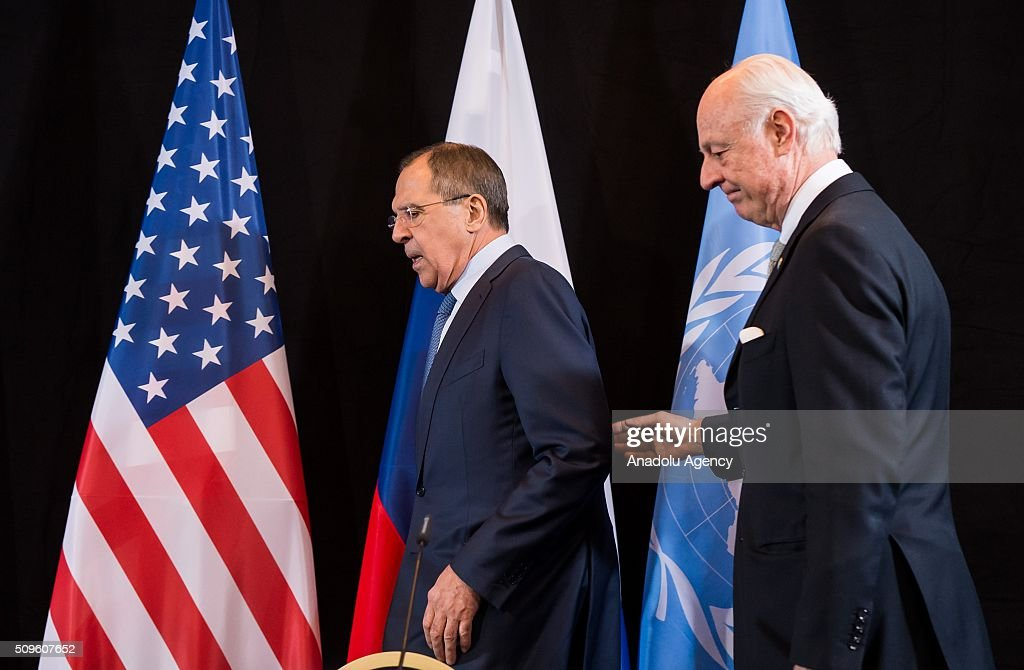 Russian Foreign Minister Sergey Lavrov (L), and UN Special Envoy for Syria Staffan de Mistura (R), attend a news conference after the International Syria Support Group (ISSG) meeting in Munich, Germany, on February 12, 2016.
