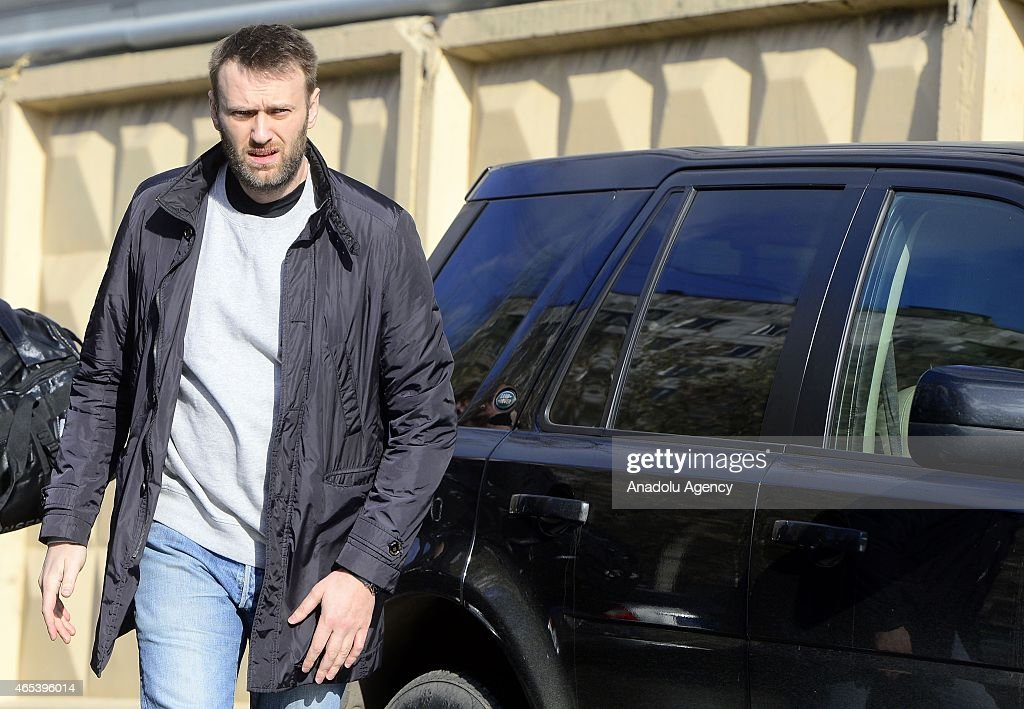 Russian opposition leader Alexei Navalny leaves a detention center in Moscow, Russia, on March 6, 2015. Navalny, a leading opposition figure, was released after spending 15 days in custody for handing out leaflets in the subway.