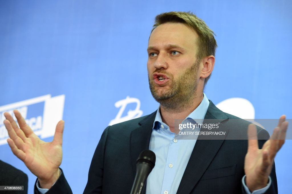 Russian opposition leader Alexei Navalny speaks during a press briefing in Moscow on April 22, 2015. The marginalised Russian opposition parties of slain Kremlin critic Boris Nemtsov and arch Putin foe Alexei Navalny announced on April 17 their plans to join forces in the run-up to legislative polls next year.