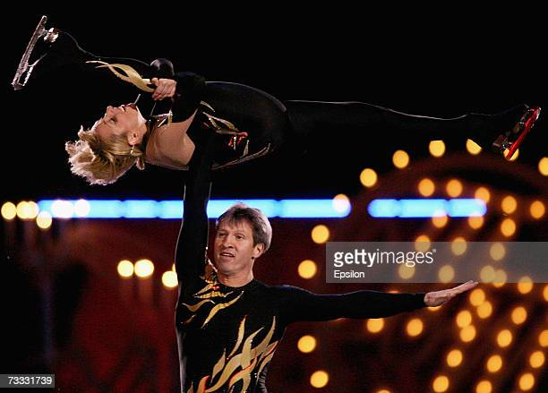 Russian pair Marina Klimova and Sergei Ponomarenko perform during the gala figure skating show 'Ice Symphony' on February 13 2007 in Moscow Russia