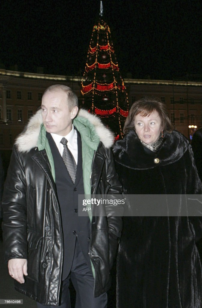 Russian President <a gi-track='captionPersonalityLinkClicked' href=/galleries/search?phrase=Vladimir+Putin&family=editorial&specificpeople=154896 ng-click='$event.stopPropagation()'>Vladimir Putin</a> and his wife Lyudmila walk in St. Petersburg, late 22 December 2007. Russian President <a gi-track='captionPersonalityLinkClicked' href=/galleries/search?phrase=Vladimir+Putin&family=editorial&specificpeople=154896 ng-click='$event.stopPropagation()'>Vladimir Putin</a> quipped on Friday that he would rather take things easy after eight years in power but new job offers keep getting in the way.