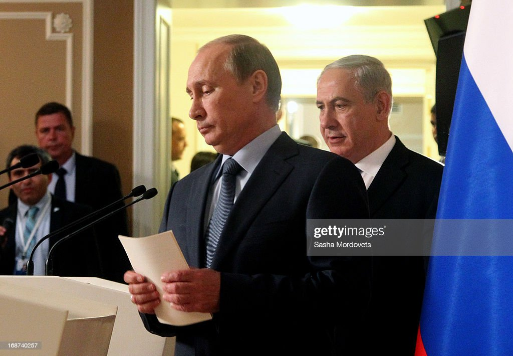 Russian President <a gi-track='captionPersonalityLinkClicked' href=/galleries/search?phrase=Vladimir+Putin&family=editorial&specificpeople=154896 ng-click='$event.stopPropagation()'>Vladimir Putin</a> (L) and Israeli Prime Minister <a gi-track='captionPersonalityLinkClicked' href=/galleries/search?phrase=Benjamin+Netanyahu&family=editorial&specificpeople=118594 ng-click='$event.stopPropagation()'>Benjamin Netanyahu</a> arrive for a joint press conference at Bocharov Ruchei state residence on May 14, 2013 in Sochi, Russia. According to reports, Israel's concerns over Russian plans to sell Syrian President Bashar al-Assad an advanced air defense system will be raised.