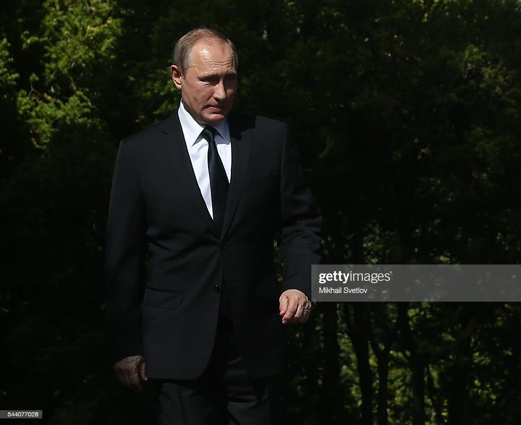 Russian President Vladimir Putin arrives to the meeting with Finland's President Sauli Niinisto (not pictured) at the Kultaranta residence on July 1, 2016 in Naantali, Finland. Putin is on a one-day visit to Finland.