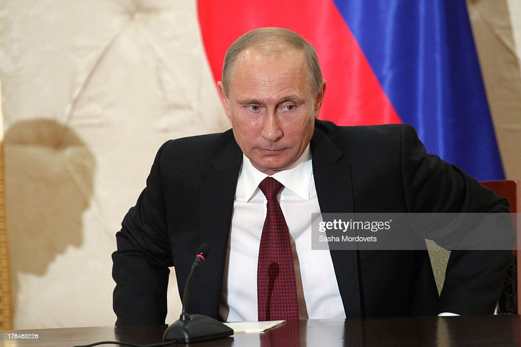 Russian President <a gi-track='captionPersonalityLinkClicked' href=/galleries/search?phrase=Vladimir+Putin&family=editorial&specificpeople=154896 ng-click='$event.stopPropagation()'>Vladimir Putin</a> attends a meeting with Azerbaijani President <a gi-track='captionPersonalityLinkClicked' href=/galleries/search?phrase=Ilham+Aliyev&family=editorial&specificpeople=565601 ng-click='$event.stopPropagation()'>Ilham Aliyev</a> August 13, 2013 in Baku, Azerbaijan. Putin is in Azerbaijan for a one-day state visit.