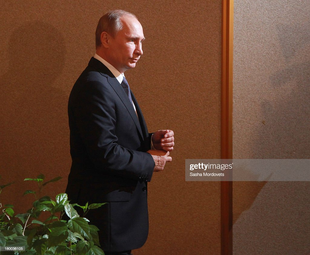 Russian President Vladimir Putin visits a polling station for mayoral elections on September 08, 2013 in Moscow, Russia. Opposition leader Alexey Navalny, one of Putin's most vocal critics is a candidate for mayor in Moscow.
