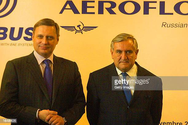 Russian Prime Minister Mikhail Kasyanov and French Prime Minister JeanPierre speak during a news conference after officials of Aeroflot and Airbus...