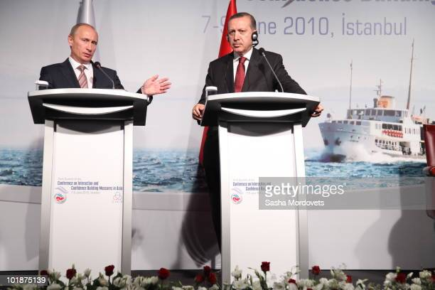 Russian Prime Minister Vladimir Putin and Turkish counterpart Recep Tayyip Erdogan hold a joint press conference at the Interaction and Confidence...