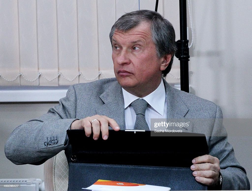 Russian Rosneft's President <a gi-track='captionPersonalityLinkClicked' href=/galleries/search?phrase=Igor+Sechin&family=editorial&specificpeople=756791 ng-click='$event.stopPropagation()'>Igor Sechin</a> attends a meeting at Lomonosov Moscow State University December 3, 2013 in Moscow, Russia. Founded in 1755, it is the oldest and largest university in Russia.