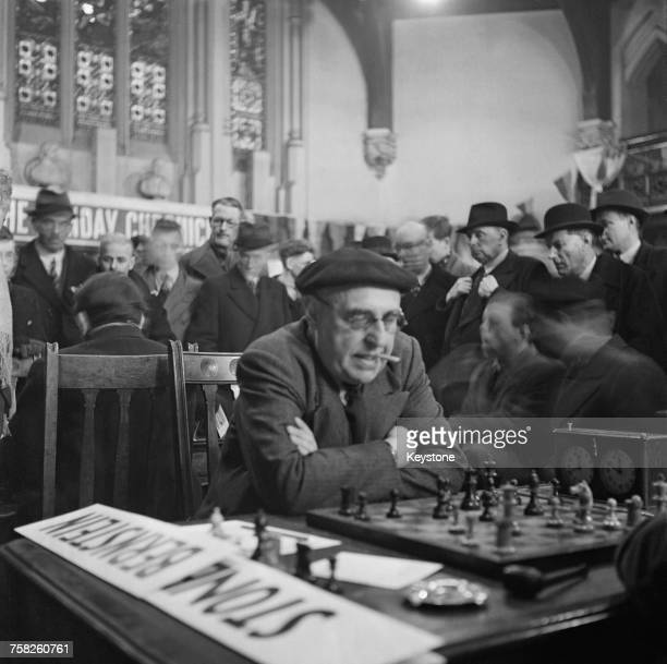 RussianFrench RussianFrench chess grandmaster Ossip Bernstein in play against Joe Stone during the Sunday Chronicle Chess Tournament at the Memorial...