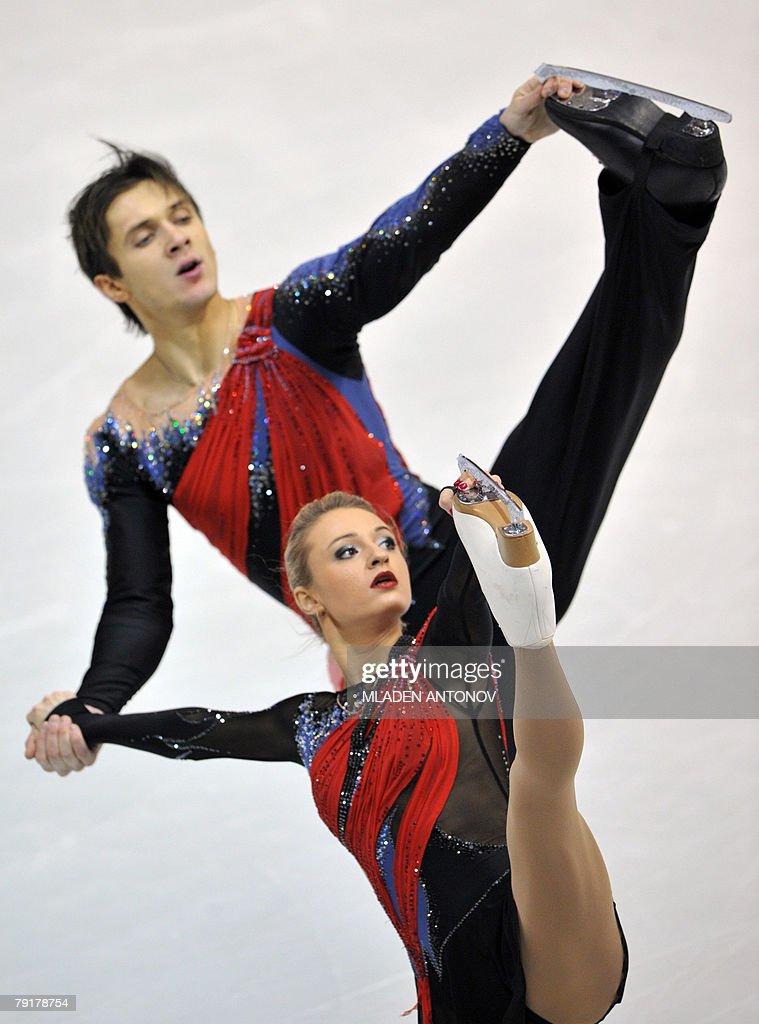 Russia's Maria Mukhortova and Maxim Trankov perform their free skating program at the Dom Sportova Arena in Zagreb, 23 January 2008, during the European Figure Skating Championships 2008.