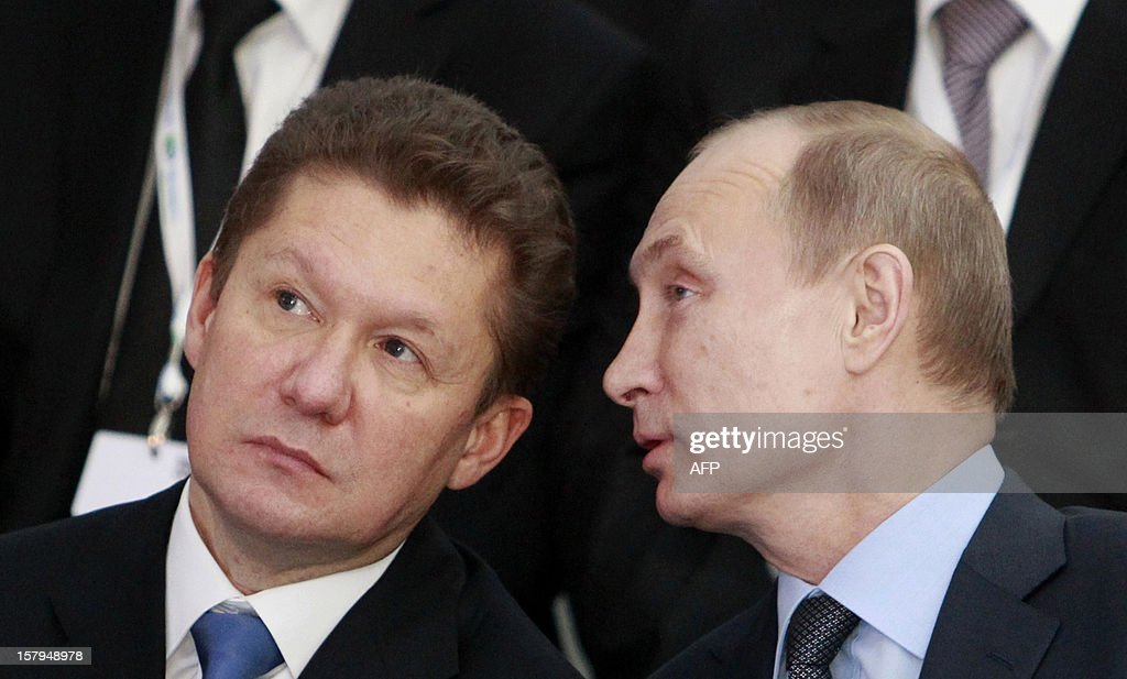 Russia's President Vladimir Putin (R) confers with gas giant Gazprom CEO, Alexei Miller (L) during a ceremony to launch the construction of South Stream gas pipeline outside the Black Sea resort town of Anapa, on December 7, 2012. Putin launched yesterday construction of the long-awaited South Stream pipeline that the Kremlin hopes will pump Russia's gas to Europe while avoiding its unpredictable neighbour Ukraine.