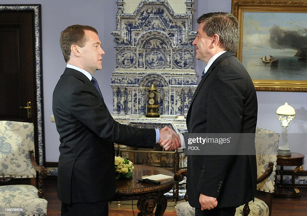 Russia's Prime Minister Dmitry Medvedev (L) and International Labour Organisation director general Guy Ryder meet at the Gorki residence, outside Moscow, on December 10, 2012. AFP PHOTO/ RIA-NOVOSTI/ POOL/ ALEXANDER ASTAFYEV