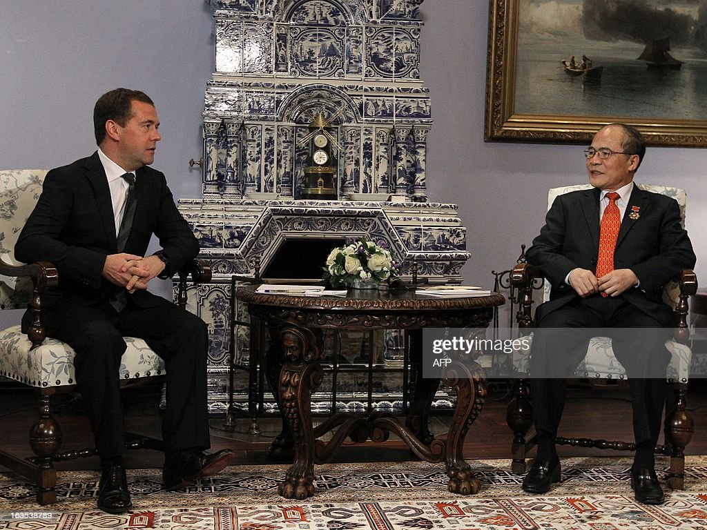 Russia's Prime Minister Dmitry Medvedev (L) and Vietnam's National Assembly Chairman Nguyen Sinh Hung meet in the Gorki residence outside Moscow, on March 11, 2013. Nguyen Sinh Hung is on a visit to Russia.