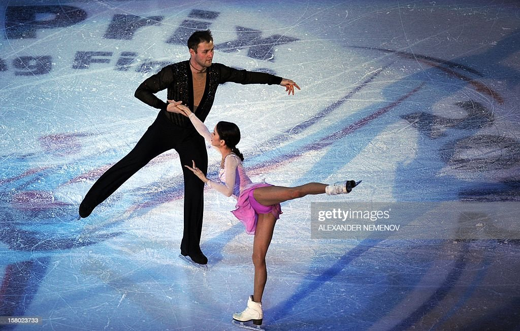 Russia's Vera Bazarova and Yuri Larionov perform during gala exhibition at the ISU Grand Prix of Figure Skating Final in Sochi on December 9, 2012.AFP PHOTO / ALEXANDER NEMENOV