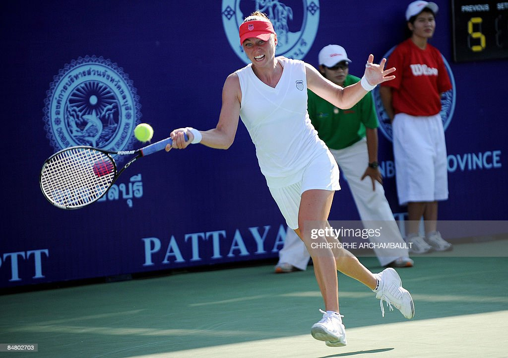 Russia's Vera Zvonareva runs for a return during the final against India's Sania Mirza at the Pattaya Tennis Open in Pattaya on February 15 2009...