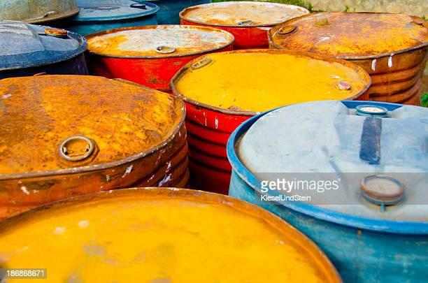 Arrugginito olio tamburi