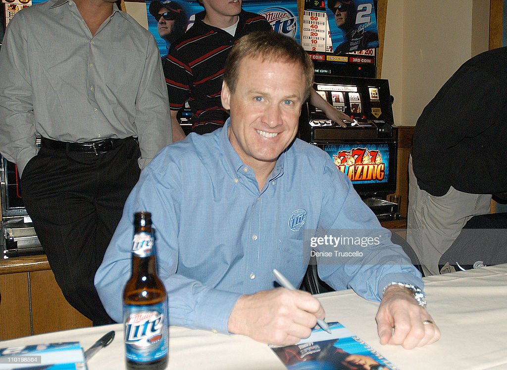 Rusty Wallace Autograph Signing
