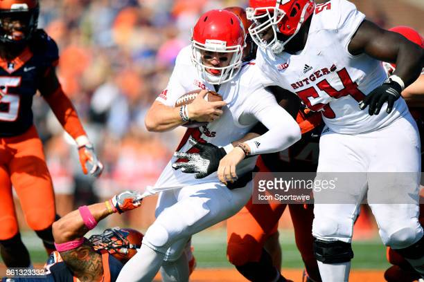 Rutgers Scarlet Knights quarterback Giovanni Rescigno runs with the ball during the game between the Rutgers Scarlet Knights and the Illinois...