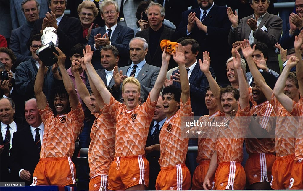 Ruud Gullit,Berry van Aerle,Ronald Koeman,Gerald Vanenburg,Arnold Muhren,Jan Wouters,Adri van Tiggelen during the European Championship final between Netherlands and USSR at the Olympia Stadium, June 25, 1988 in Munich, Germany.