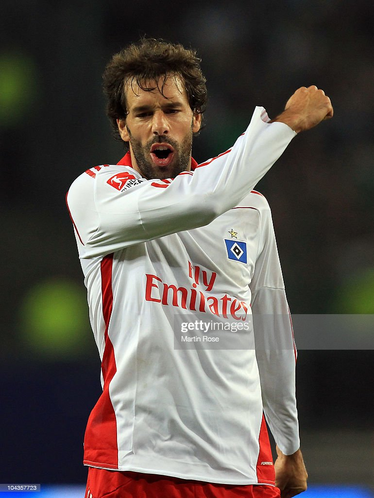 Ruud van Nistelroy of Hamburg looks dejected during the Bundesliga match between Hamburger SV and VFL Wolfsburg at Imtech Arena on September 22, 2010 in Hamburg, Germany.