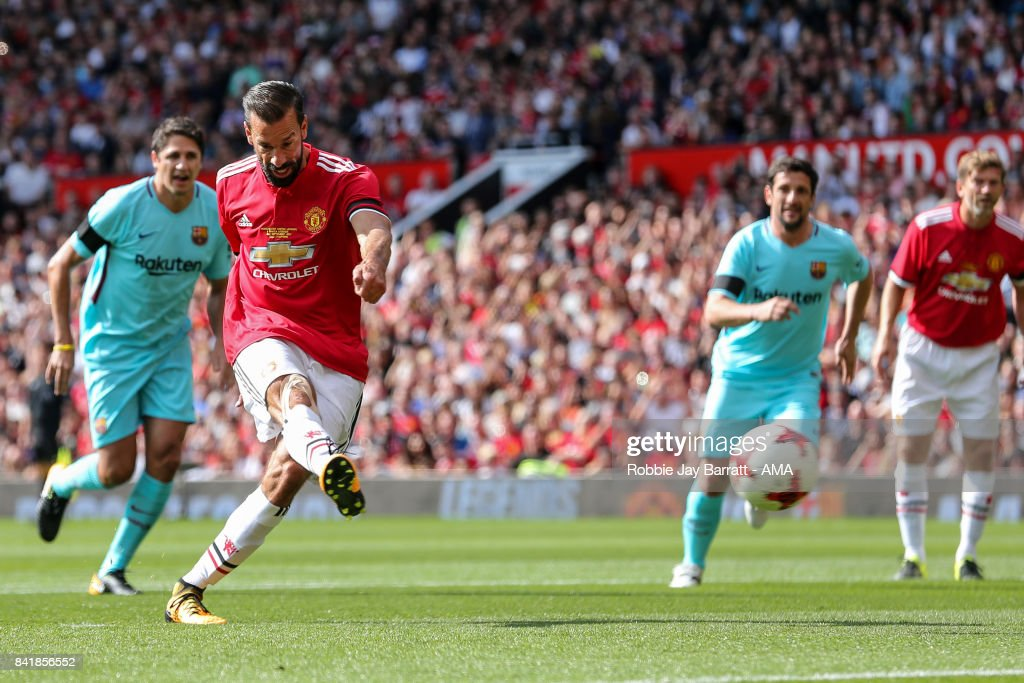 Ruud Van Nistlerooy of Manchester United Legends scores a goal to make it 1-0 during the match between Manchester United Legends and FC Barcelona Legends at Old Trafford on September 2, 2017 in Manchester, England.
