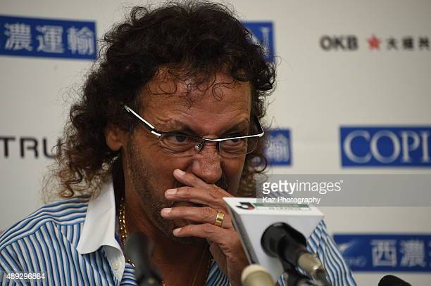 Ruy Ramos coach of FC Gifu is unhappy with the lack of wining mentarity of players during the JLeague 2nd division match between FC Gifu and Oita...
