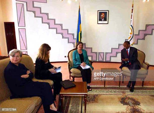 Rwanda President Paul Kagame meets with International Cooperation ministers Claire Short second from right Hilde F Johnson third from right and...