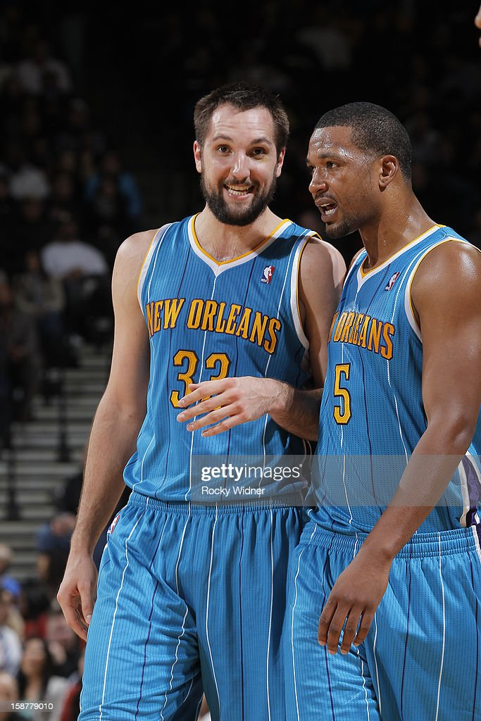 Ryan Anderson #33 and Dominic McGuire #5 of the New Orleans Hornets in a game against the Golden State Warriors on December 18, 2012 at Oracle Arena in Oakland, California.
