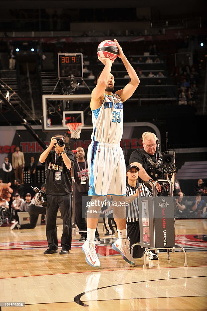 Ryan Anderson #33 of the New Orleans Hornets shoots the ball during the 2013 Foot Locker Three-Point Contest on State Farm All-Star Saturday Night as part of 2013 NBA All-Star Weekend on February 16, 2013 at Toyota Center in Houston, Texas.