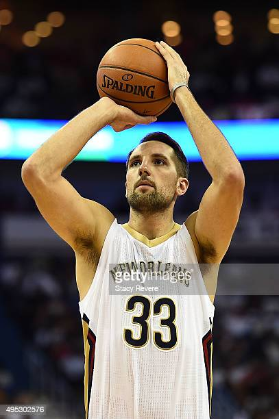 Ryan Anderson of the New Orleans Pelicans shoots a free throw during a game against the Golden State Warriors at the Smoothie King Center on October...
