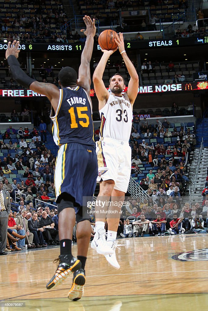 Ryan Anderson #33 of the New Orleans Pelicans shoots against the Utah Jazz on November 20, 2013 at the New Orleans Arena in New Orleans, Louisiana.