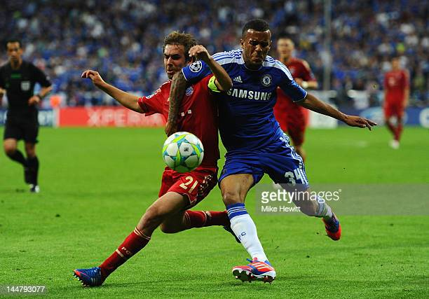 Ryan Bertrand of Chelsea and Philipp Lahm of Bayenr Muenchen fight for the ball during UEFA Champions League Final between FC Bayern Muenchen and...