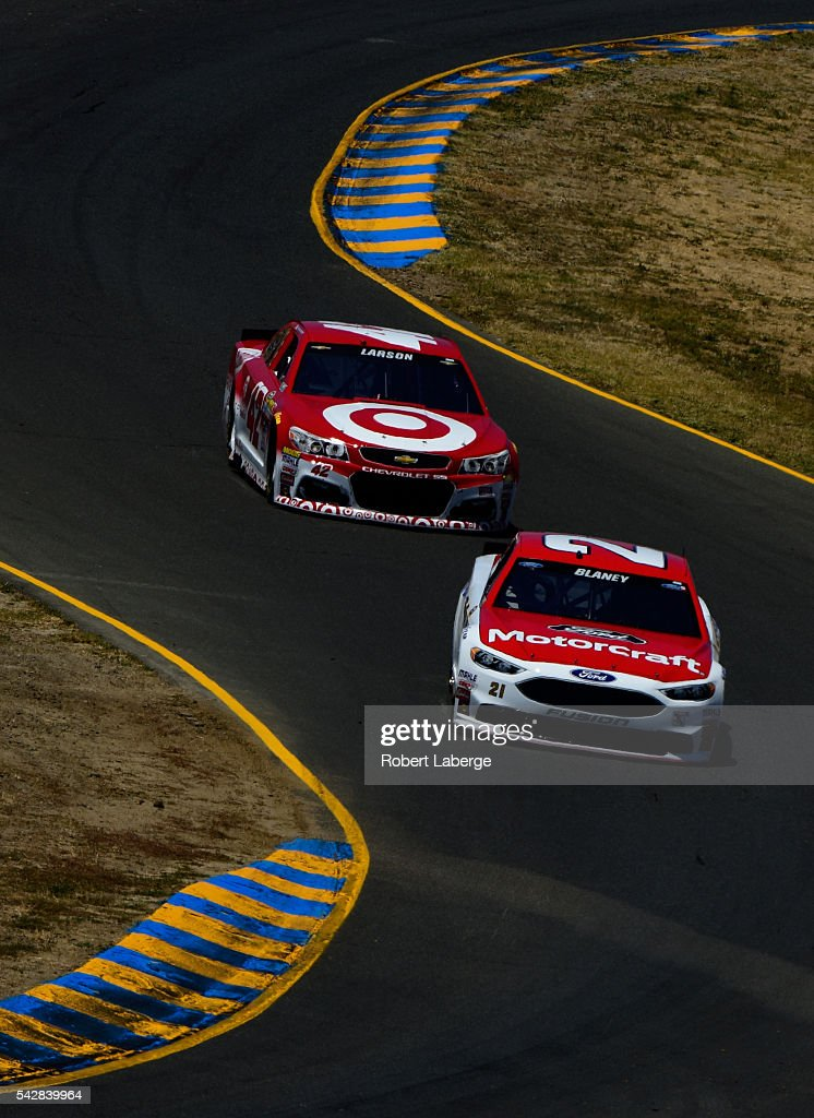 <a gi-track='captionPersonalityLinkClicked' href=/galleries/search?phrase=Ryan+Blaney&family=editorial&specificpeople=8626930 ng-click='$event.stopPropagation()'>Ryan Blaney</a>, driver of the #21 Motorcraft/Quick Lane Tire & Auto Center Ford, and <a gi-track='captionPersonalityLinkClicked' href=/galleries/search?phrase=Kyle+Larson+-+Race+Car+Driver&family=editorial&specificpeople=2115989 ng-click='$event.stopPropagation()'>Kyle Larson</a>, driver of the #42 Target Chevrolet, drive during practice for the NASCAR Sprint Cup Series Toyota/Save Mart 350 at Sonoma Raceway on June 24, 2016 in Sonoma, California.