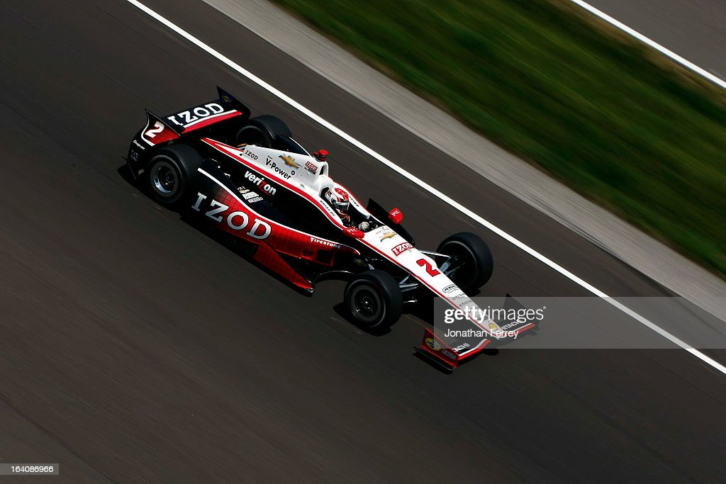 Ryan Briscoe, driver of the #2 IZOD Team Penske Chevrolet, races during the IZOD IndyCar Series 96th running of the Indianpolis 500 mile race at the Indianapolis Motor Speedway on May 27, 2012 in Indianapolis, Indiana.
