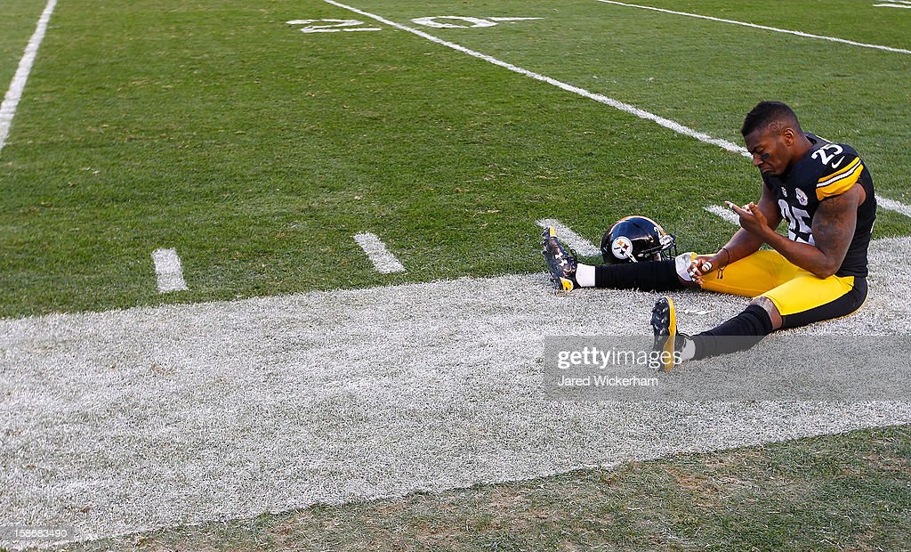 Ryan Clark #25 of the Pittsburgh Steelers sits on the end line in the final seconds of their fourth quarter loss against the Cincinnati Bengals during the game at Heinz Field on December 23, 2012 in Pittsburgh, Pennsylvania.