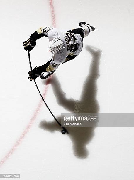 Ryan Craig of the Pittsburgh Penguins warms up before playing against the New York Islanders on February 11 2011 at Nassau Coliseum in Uniondale New...