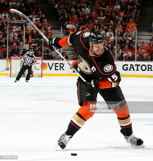 Ryan Getzlaf of the Anaheim Ducks handles the puck against the Chicago Blackhawks in Game Two of the Western Conference Finals during the 2015 NHL...