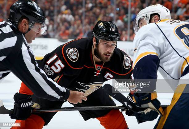 Ryan Getzlaf of the Anaheim Ducks prepares for the face off against Vernon Fiddler of the Nashville Predators in Game Five of the Western Conference...