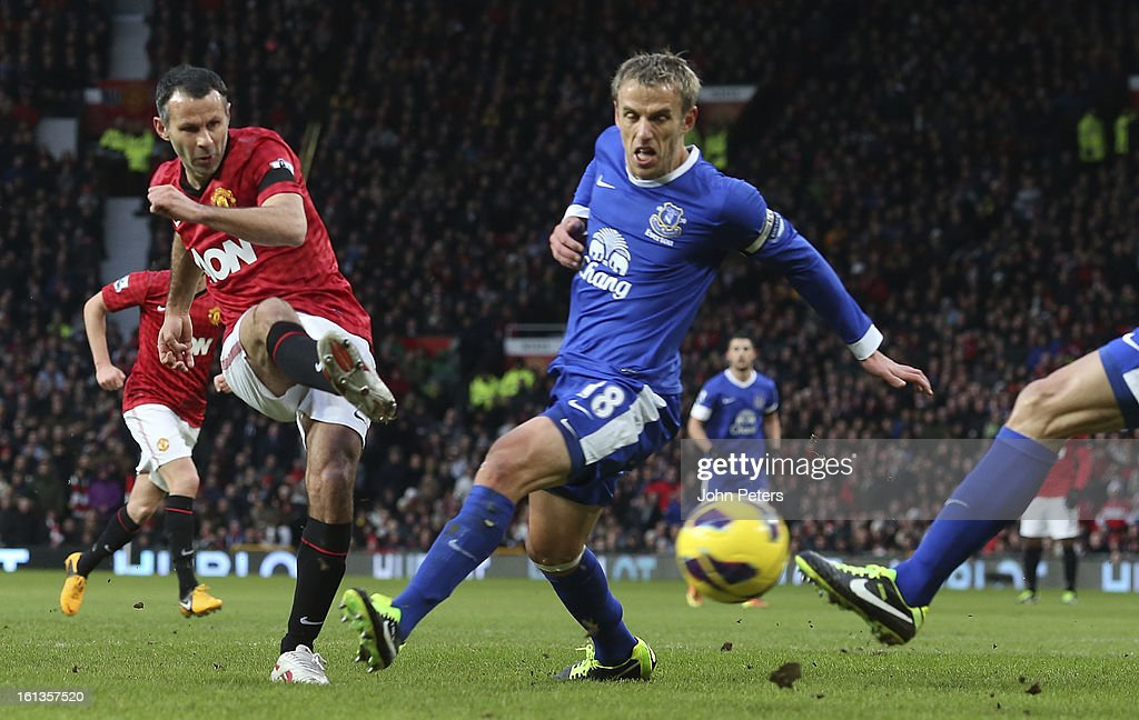 Ryan Giggs of Manchester United scores their first goal during the Barclays Premier League match between Manchester United and Everton at Old Trafford on February 10, 2013 in Manchester, England.