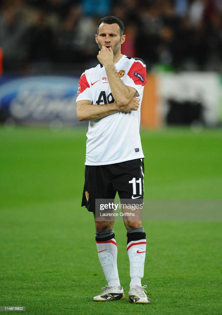 <a gi-track='captionPersonalityLinkClicked' href=/galleries/search?phrase=Ryan+Giggs&family=editorial&specificpeople=201666 ng-click='$event.stopPropagation()'>Ryan Giggs</a> of Manchester United shows his dejection after the UEFA Champions League final between FC Barcelona and Manchester United FC at Wembley Stadium on May 28, 2011 in London, England.