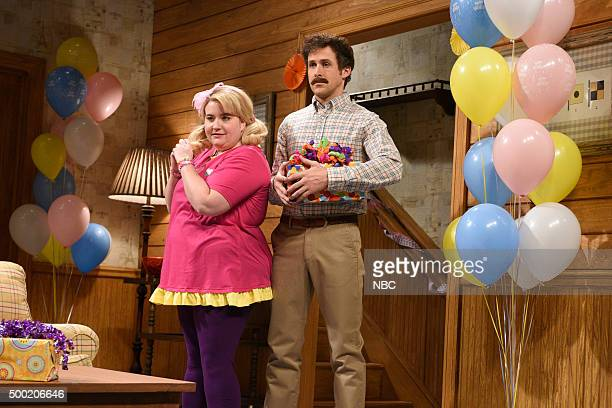 LIVE 'Ryan Gosling' Episode 1690 Pictured Aidy Bryant as Melanie and Ryan Gosling during the 'Birthday Party' sketch on December 5 2015