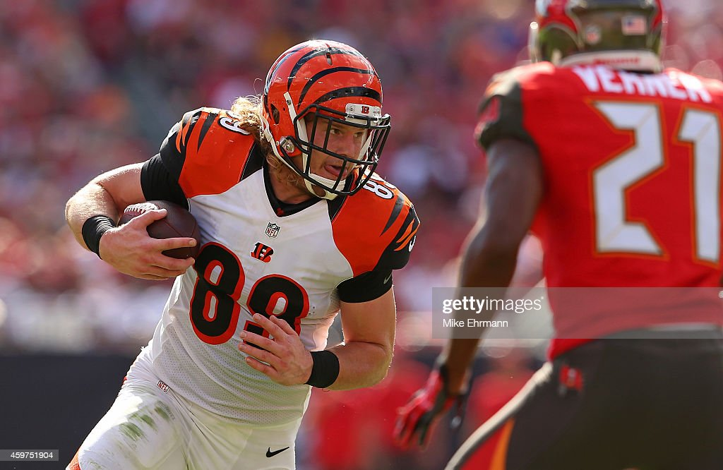 Ryan Hewitt #89 of the Cincinnati Bengals rushes during a game against the Tampa Bay Buccaneers at Raymond James Stadium on November 30, 2014 in Tampa, Florida.