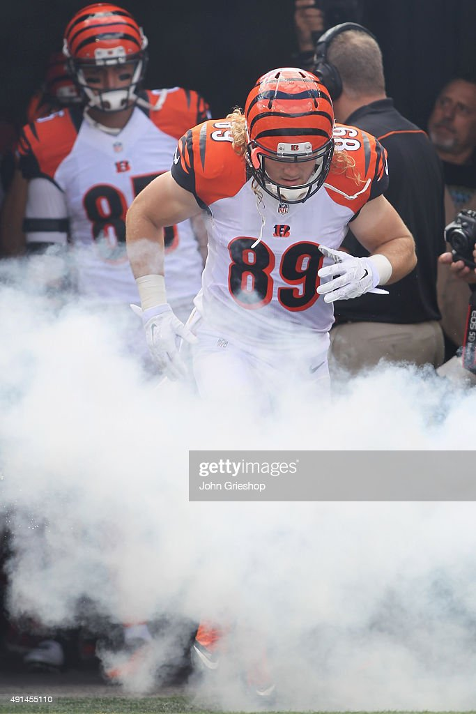 Ryan Hewitt #89 of the Cincinnati Bengals takes the field for the game against the San Diego Charger at Paul Brown Stadium on September 20, 2015 in Cincinnati, Ohio. The Bengals defeated the Chargers 24-19.