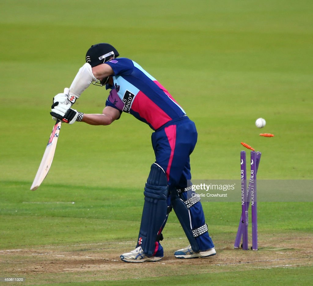 Middlesex Panthers v Nottinghamshire Outlaws - Royal ...