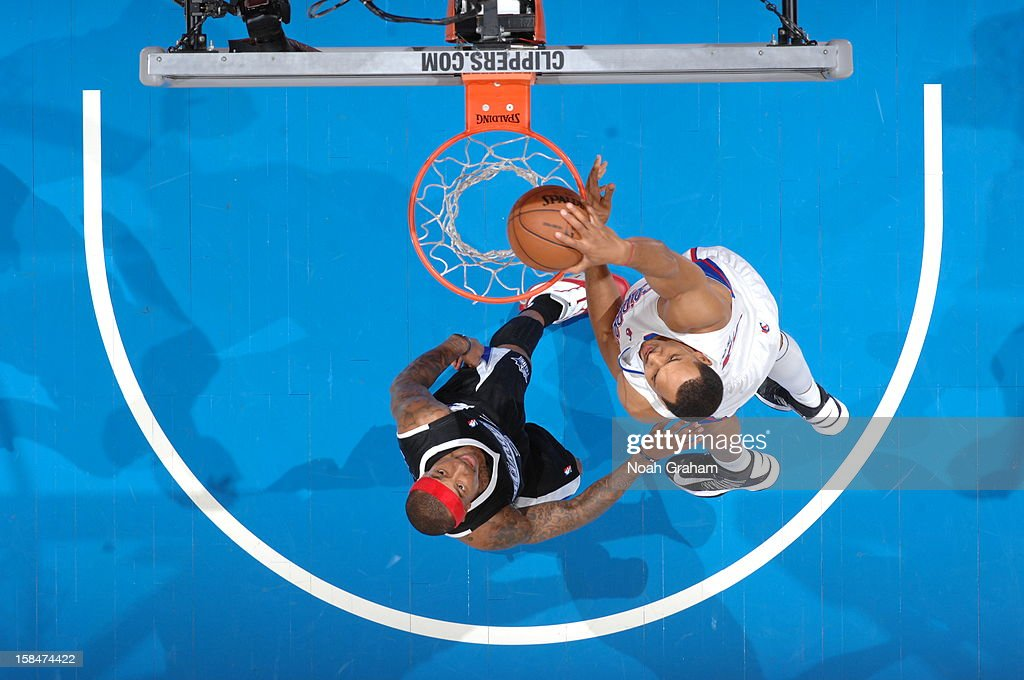 <a gi-track='captionPersonalityLinkClicked' href=/galleries/search?phrase=Ryan+Hollins&family=editorial&specificpeople=182556 ng-click='$event.stopPropagation()'>Ryan Hollins</a> #15 of the Los Angeles Clippers dunks the ball against the Sacramento Kings at Staples Center on December 1, 2012 in Los Angeles, California.