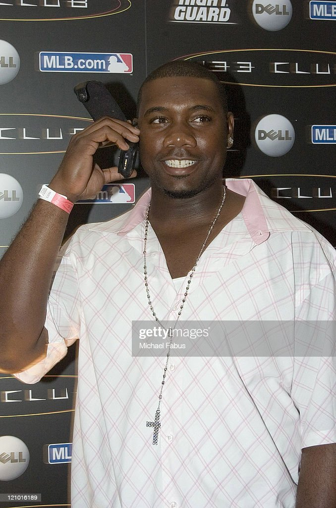 <a gi-track='captionPersonalityLinkClicked' href=/galleries/search?phrase=Ryan+Howard&family=editorial&specificpeople=551402 ng-click='$event.stopPropagation()'>Ryan Howard</a>, 2005 Rookie of the Year during '33 Club Party' Hosted by David Wright and Presented by MLB.com at Heinz Field in Pittsburgh, Pennsylvania, United States.