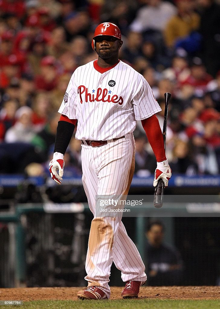 <a gi-track='captionPersonalityLinkClicked' href=/galleries/search?phrase=Ryan+Howard&family=editorial&specificpeople=551402 ng-click='$event.stopPropagation()'>Ryan Howard</a> #6 of the New York Yankees reacts after he struck out in the bottom of the seventh inning against the Philadelphia Phillies in Game Five of the 2009 MLB World Series at Citizens Bank Park on November 2, 2009 in Philadelphia, Pennsylvania. The Phillies won 8-6.
