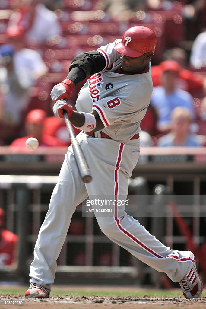 Ryan Howard #6 of the Philadelphia Phillies bats against the Cincinnati Reds at Great American Ball Park on September 1, 2011 in Cincinnati, Ohio. Howard had a home run in a 6-4 Phillies win over the Reds.