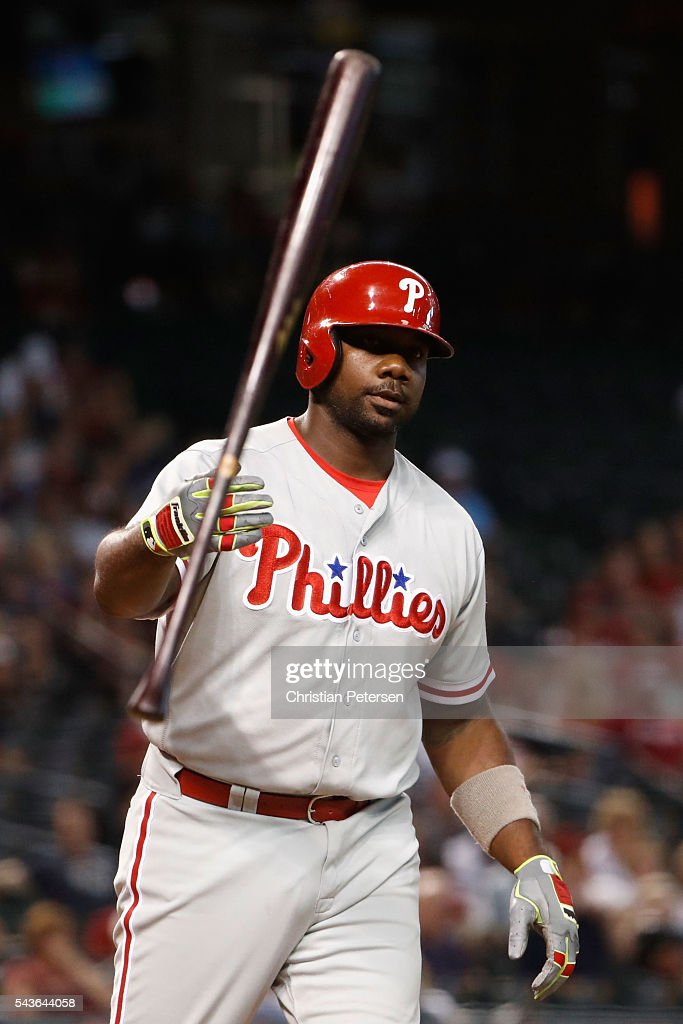 <a gi-track='captionPersonalityLinkClicked' href=/galleries/search?phrase=Ryan+Howard&family=editorial&specificpeople=551402 ng-click='$event.stopPropagation()'>Ryan Howard</a> #6 of the Philadelphia Phillies flips his bat after drawing a walk against the Arizona Diamondbacks during the eighth inning of the MLB game at Chase Field on June 29, 2016 in Phoenix, Arizona.