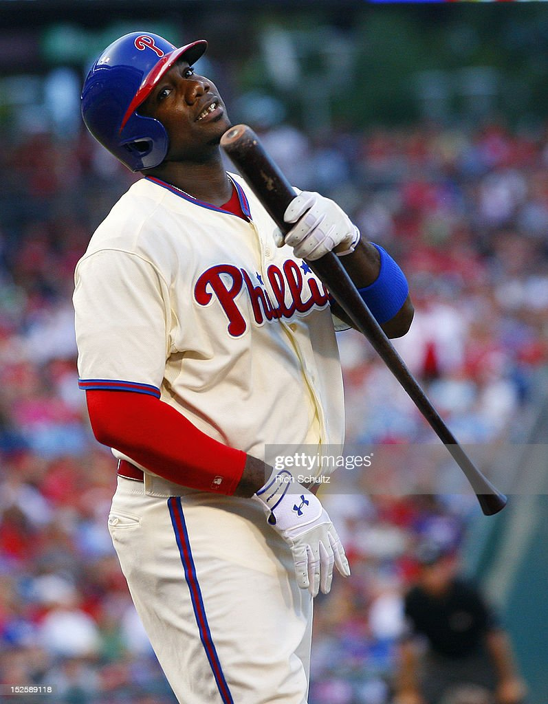 <a gi-track='captionPersonalityLinkClicked' href=/galleries/search?phrase=Ryan+Howard&family=editorial&specificpeople=551402 ng-click='$event.stopPropagation()'>Ryan Howard</a> #6 of the Philadelphia Phillies reacts after striking out to end the sixth inning against the Atlanta Braves during a MLB baseball game on September 22, 2012 at Citizens Bank Park in Philadelphia, Pennsylvania. The Braves defeated the Phillies 8-2.